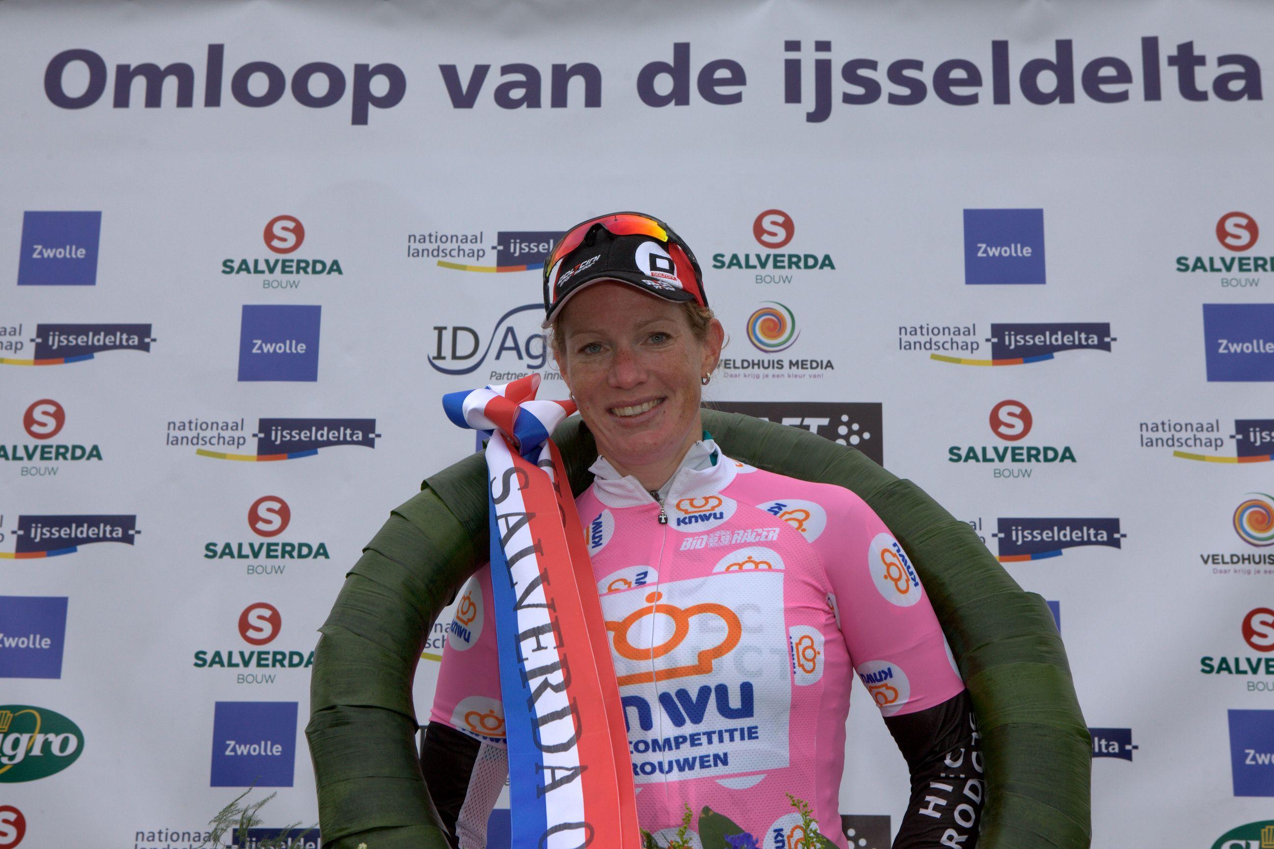 Kirsten Wild wint Salverda Omloop van de IJsseldelta 2015