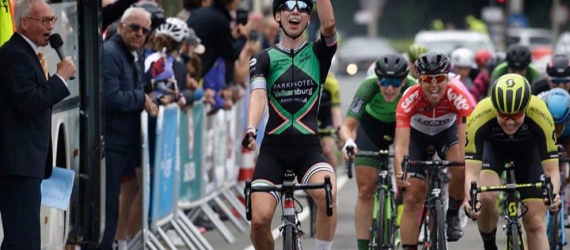 Lorena Wiebes wint Omloop 2018